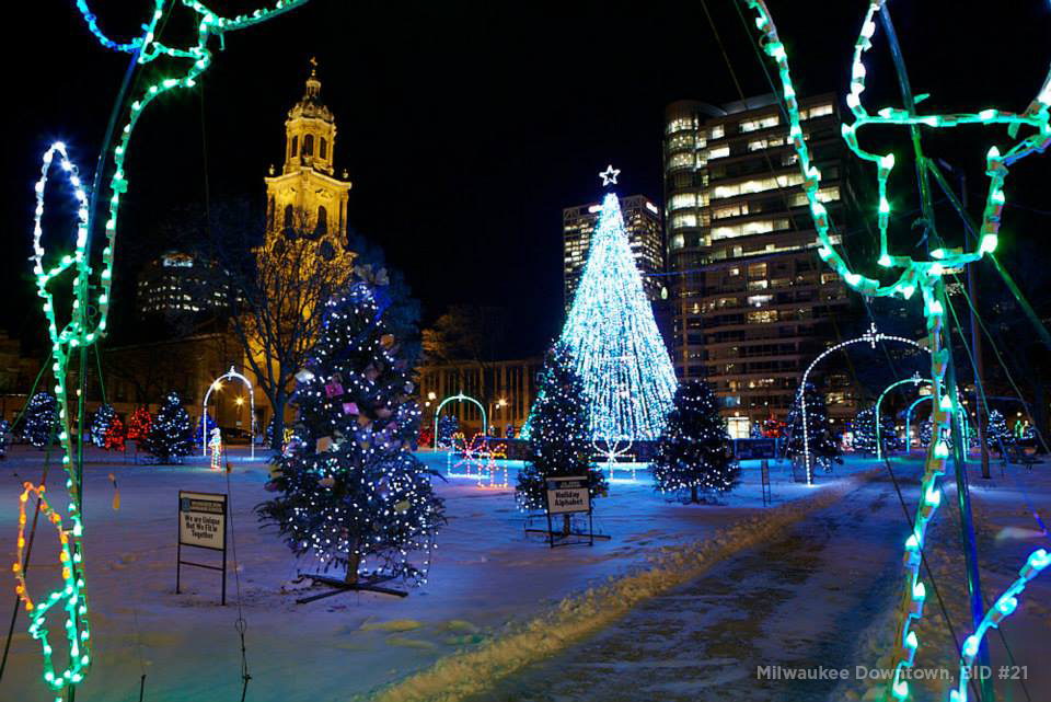 Christmas Lights Milwaukee.12 Holiday Destinations Along Mcts Bus Routes